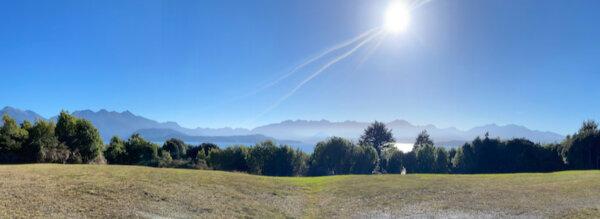 Lake Manapouri near Te Anau - a great cycle ride on Lake2Lake Cycle trail