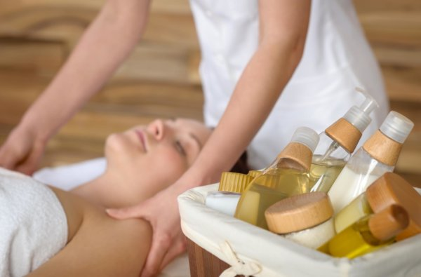 Kimi ora Eco resort Spa - have a massage